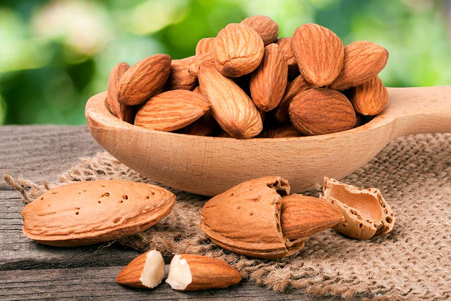 Almonds: Nutrition, Health Benefits, and Recipe Tips