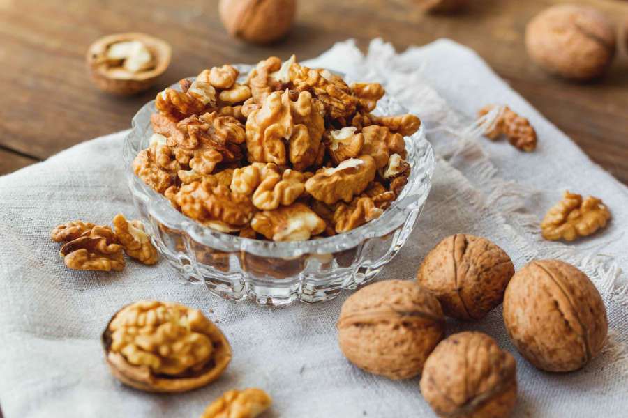 Walnuts: Nutrition and Health Benefits